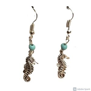 Jewelry - Free with Purchase! NWOT Seahorse Earrings
